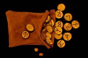 Las runas: Domine y conozca su suerte