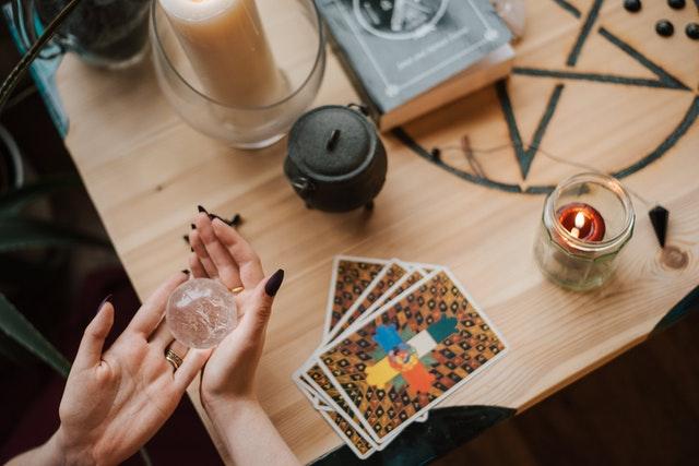 Cuánto se debe esperar uno para una lectura de cartas tarot