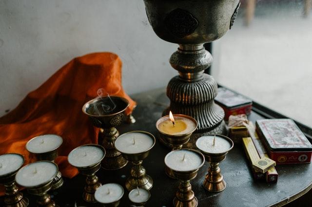 cuál es el uso más común de la magia blanca rituales hechizos