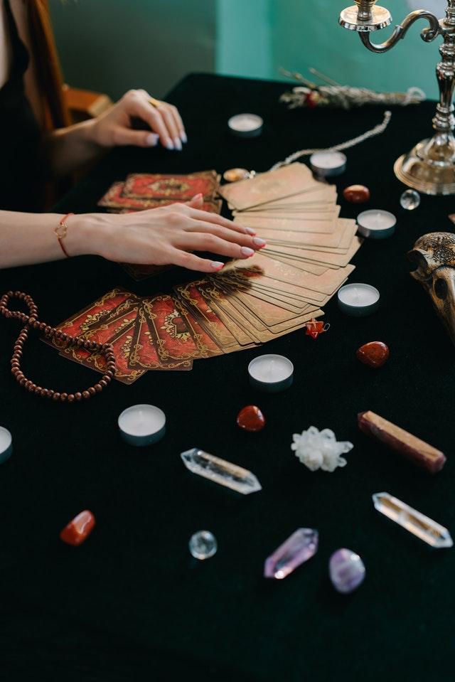 Cómo utilizar los amuletos en mis rituales de amor brujos expertos