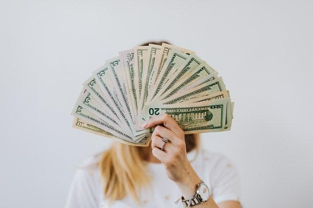 El mejor hechizo para atraer dinero y abundancia